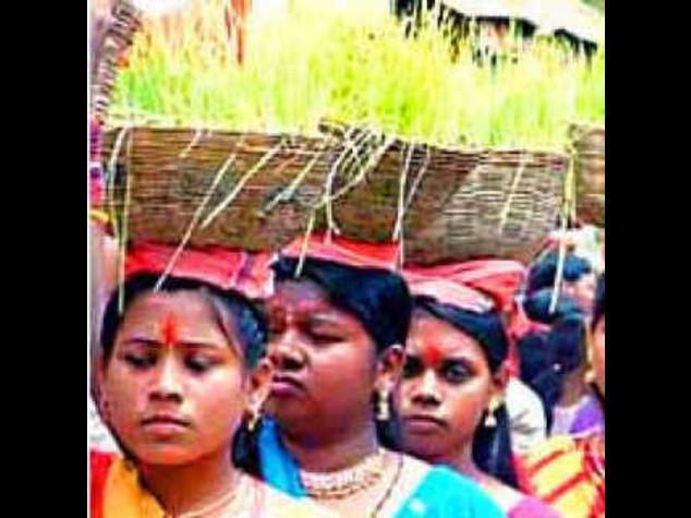 INDIA: GRANDE FESTA NEL CHHATTISGARH, SI SPOSANO 870 COPPIE