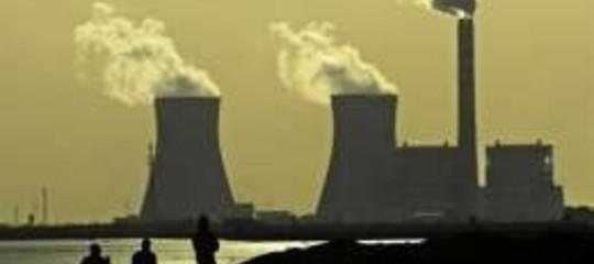 CONSUMO ENERGIA:  NEL 2010 +5.9%