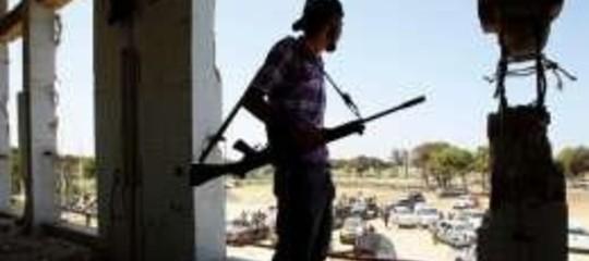 LIBIA, CINA RICONOSCE CNT E TORNA A FARE AFFARI