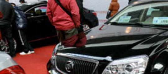 STOP AD AGEVOLAZIONI PER AUTO STRANIERE