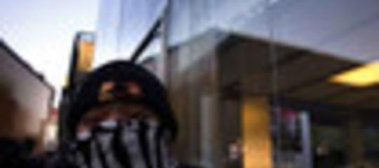 iPHONE 4s: ASSALTO  ALLO STORE DI PECHINO