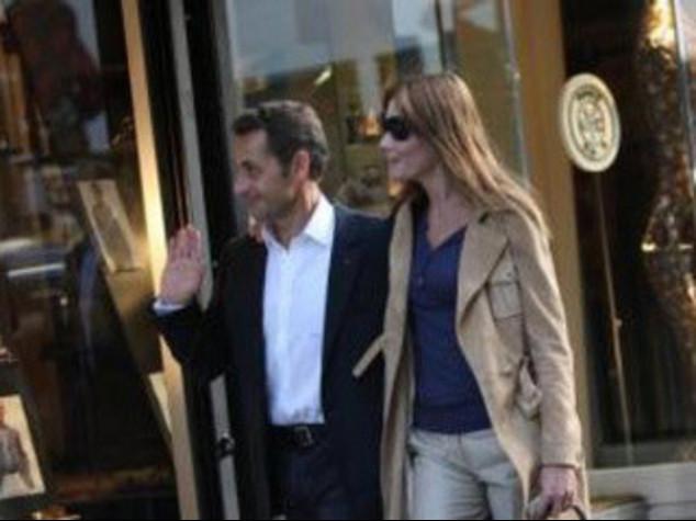 FRANCIA: SARKO' DISSE A CARLA,  SAREMO MEGLIO DI MARILYN E JFK