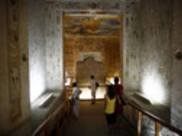 EGITTO: TOMBE FARAONI  A RISCHIO, TURISTI  VISITERANNO I FALSI