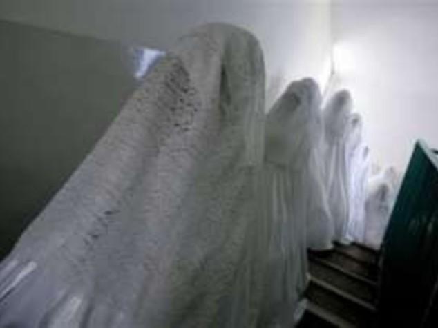 EGITTO: SPOSA SETTE UOMINI IN MENO DI DUE MESI, ARRESTATA
