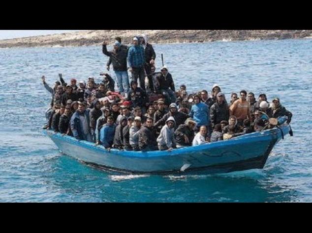 Immigrati: in 415 sbarcano a Palermo, neonati e donne incinte