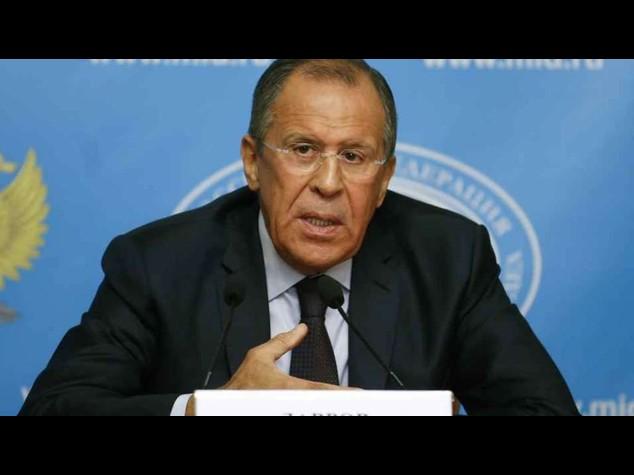 Ucraina: Lavrov a Kerry, inutile tentare di farci pressione