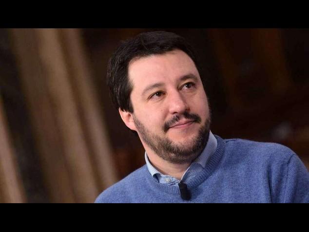 """Salvini difende presepe nelle scuole, """"Pronto per leadership centrodestra"""""""