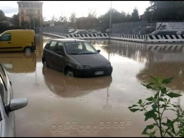 Maltempo: emergenza a Genova Esondazioni, frane e allagamenti