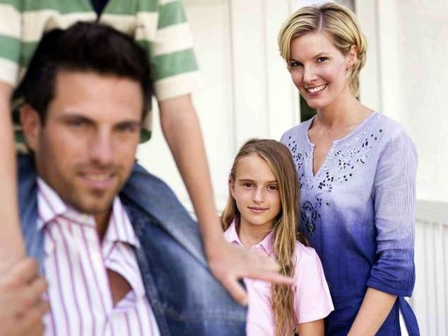 Camera: addio all'obbligo del cognome paterno ai figli Ecco tutte le novita'