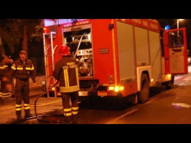 Esplosione in un negozio del Brindisino, un morto