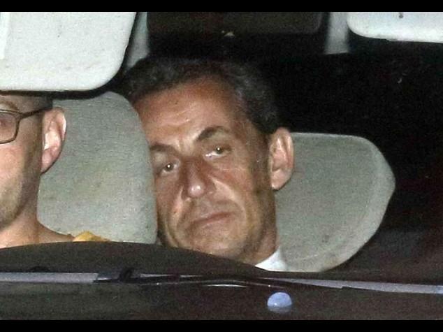 Sarkozy incriminato per corruzione, rilasciato dopo 15 ore