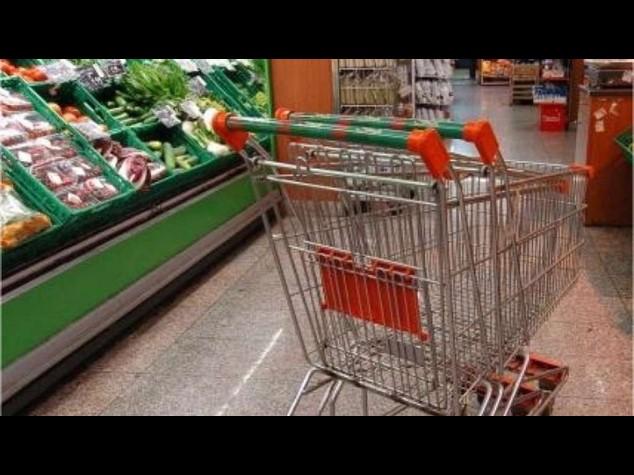 Confcommercio: redditi famiglie fanno un salto indietro di 30 anni