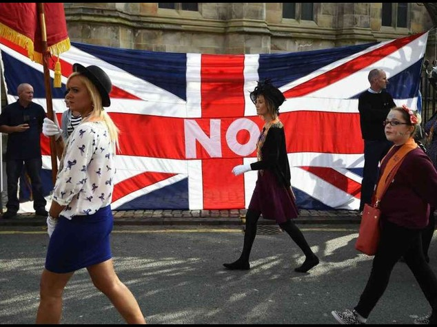 "Scozia: decideranno gli indecisi Elisabetta II, ""pensateci bene"""