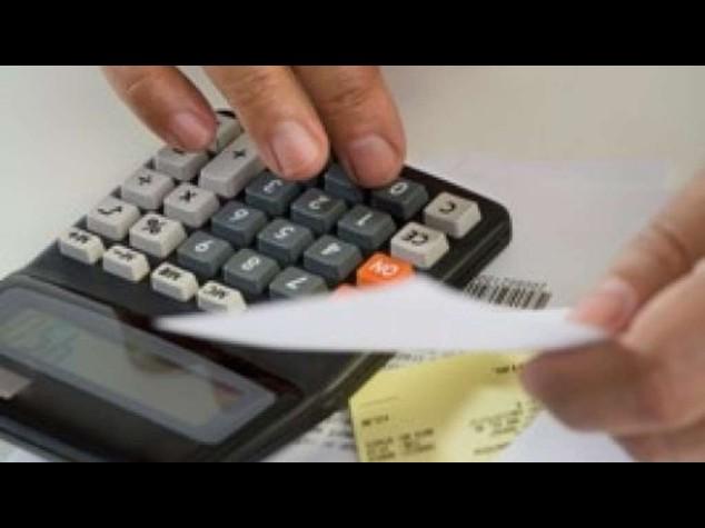 Migliorano i conti pubblici e cala la pressione fiscale