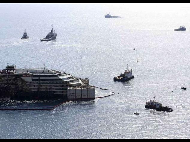 """Concordia torna a galleggiare: Ad Costa, """"progetto costa un miliardo di euro"""""""