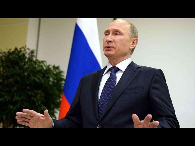 Ucraina, Putin apre a un nuovo cessate il fuoco a est