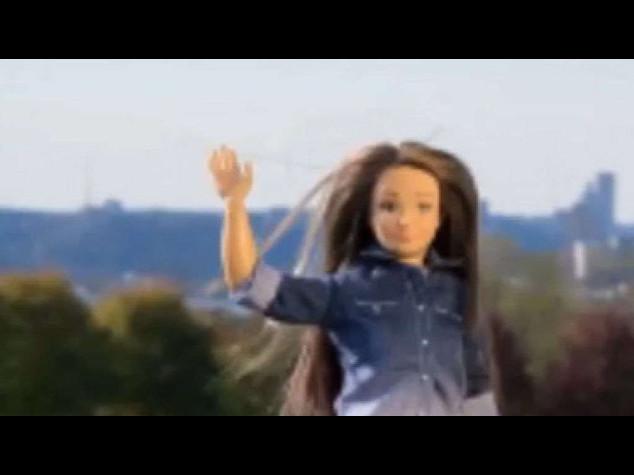 Usa: in vendita barbie 'cicciona', bella ma con acne e cellulite