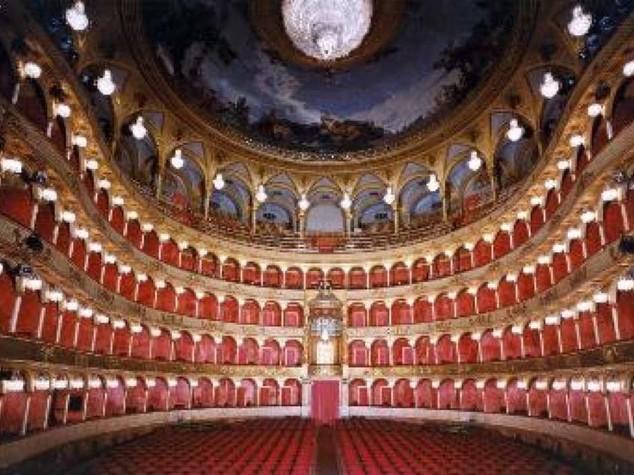 Colpo di teatro all'Opera di Roma, licenziati coro e orchestra