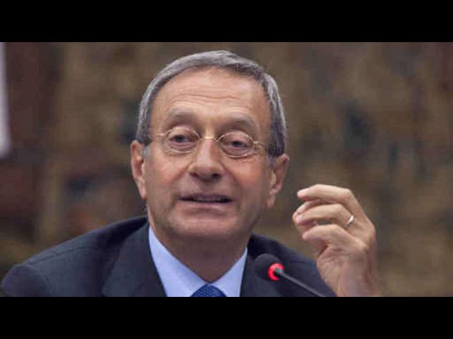 Catricala' rinuncia alla Consulta. In Forza Italia volano gli stracci