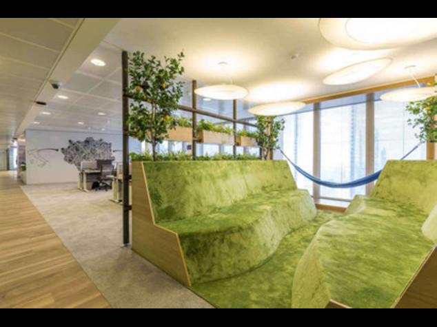 Gli uffici di linkedin a milano sul modello di google for Uffici a milano