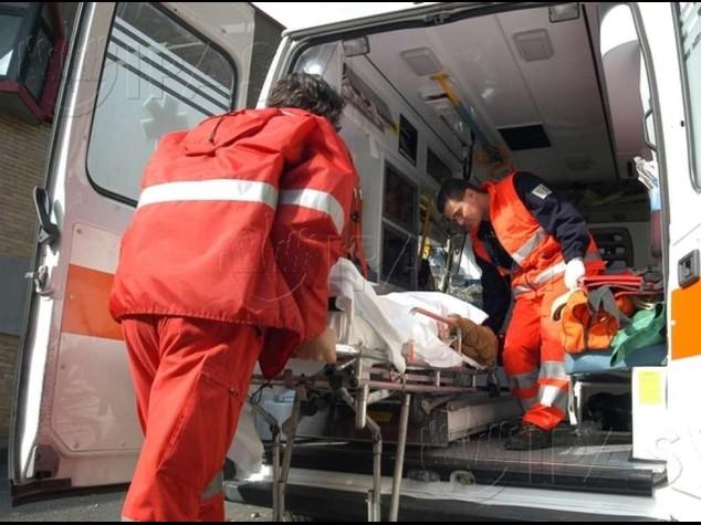 Sassano: piomba con l'auto su tavolini bar Uccide il fratello e altri 3 giovani