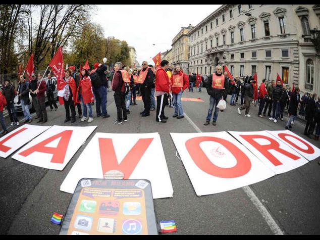 Oggi sciopero generale Cgil-Uil Trasporti fermi e manifestazioni