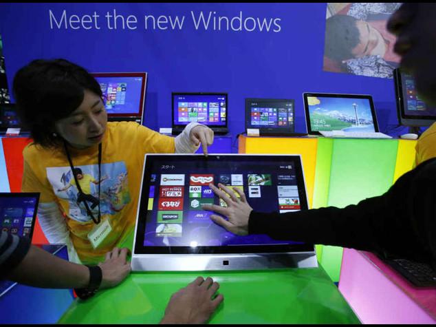 Microsoft taglia 18mila posti lavoro, titolo +3,35% a Wall Street