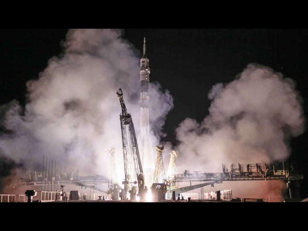Iss: dopo 17 anni una donna russa torna nello spazio - Foto