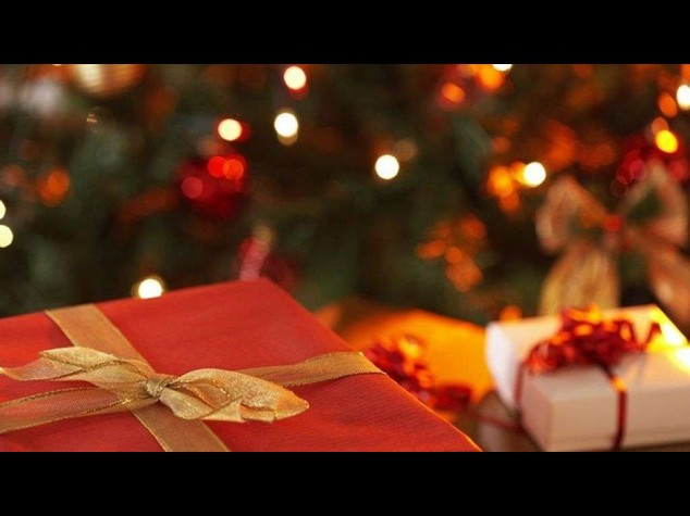 Natale: Confcommercio, spesa regali giu' a 171 euro(-40% in 5 anni)