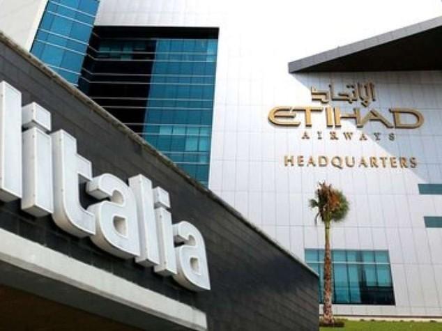 """Alitalia: trattativa in stallo, Etihad """"vogliamo il 49%"""""""
