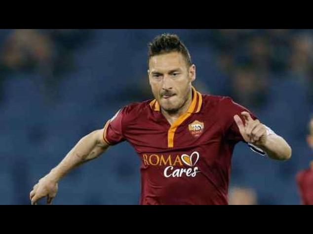 Calcio: Roma arrivata a Boston, a salutarli anche ex laziale Nesta