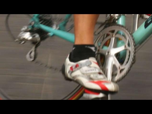 Ciclismo: scandalo doping, l'Uci rinvia decisione su team Astana