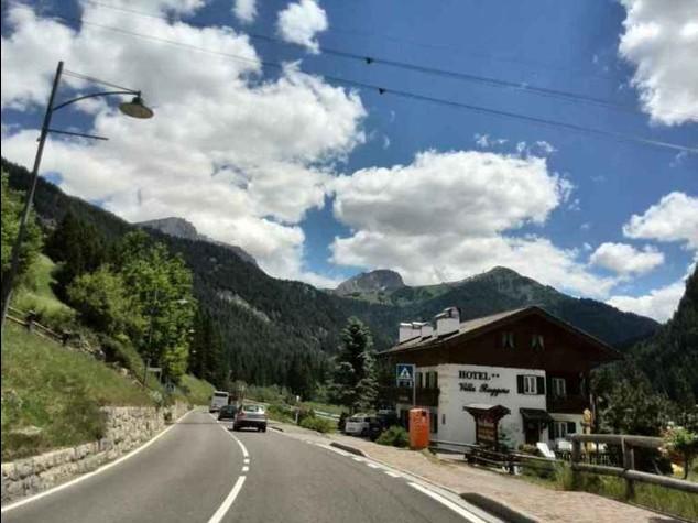 """Sulle Dolomiti il """"tour DolceVita in Porsche"""""""