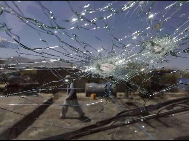 Afghanistan: autobomba contro convoglio Nato, 3 soldati uccisi