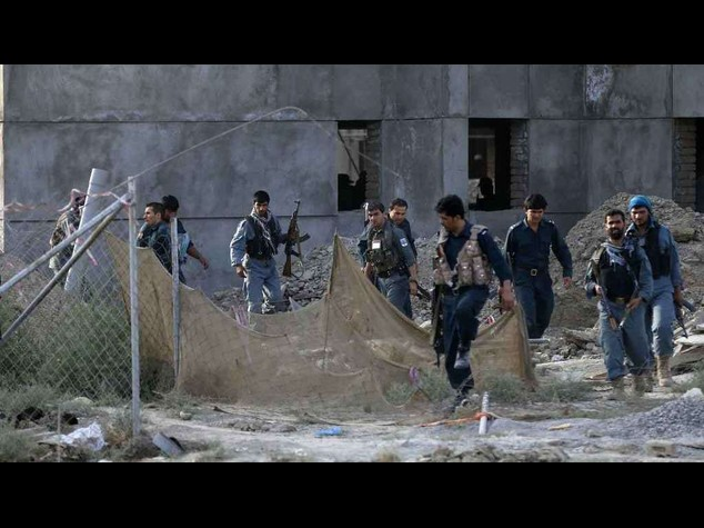 Four rebels die in suicide bomb attack on Kabul airport