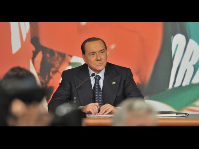 """Fi: Berlusconi avverte, """"da febbraio torno operativo"""""""