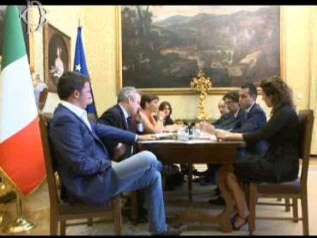 """Riforme: """"Tempo scaduto"""" e l'M5S gela Renzi"""