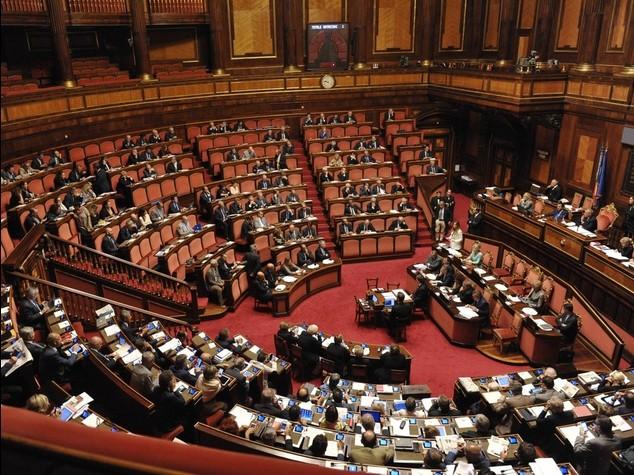 Riforme, nasce il Senato dei 100. Vincolanti le scelte degli elettori