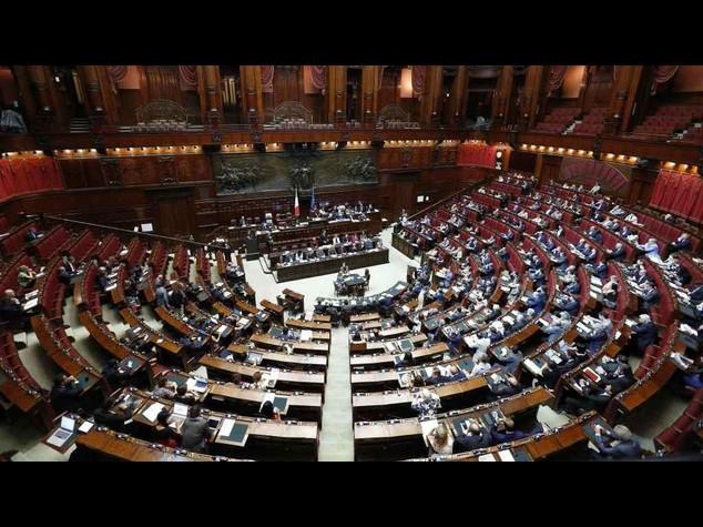 Parlamento: domani seduta comune per Consulta e Csm