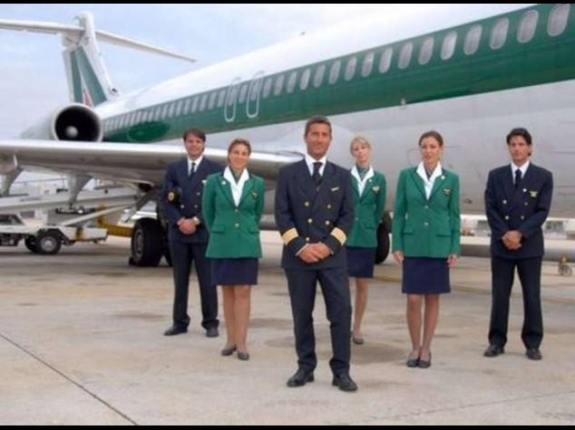 Alitalia: gli esuberi sono meno di mille. Entro oggi risposta dei sindacati