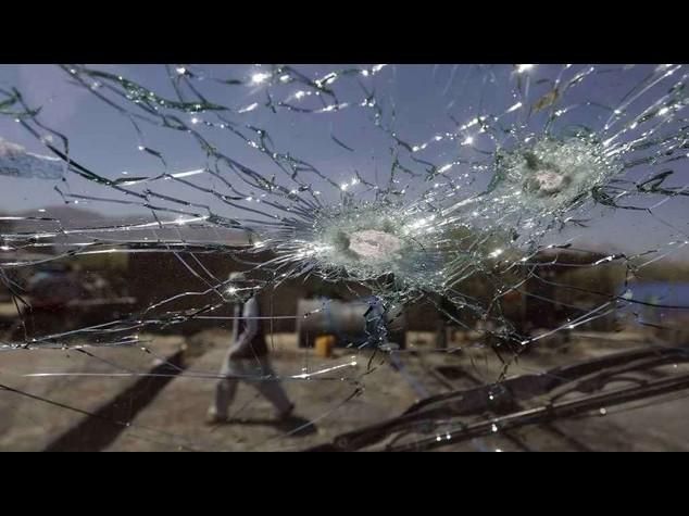 Afghanistan: esplode autobomba nell'est, almeno 30 morti