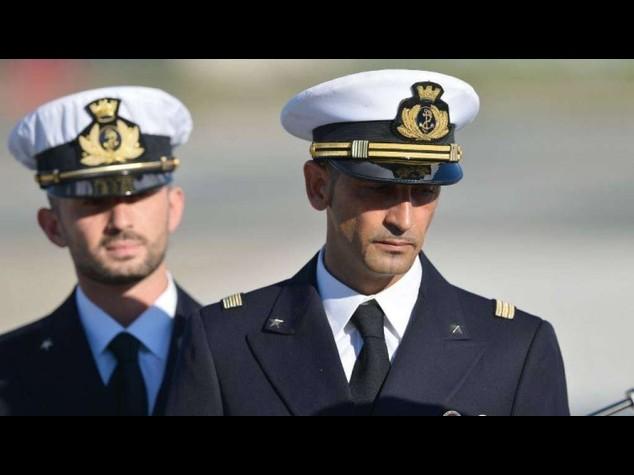 Maro': Girone chiede di rientrare in Italia, Latorre di prolungare soggiorno