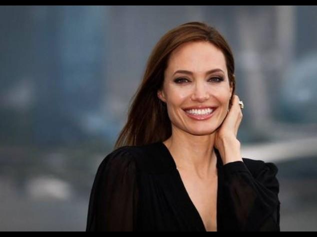 """Angelina Jolie, """"ancora un po' l'attrice, e poi solo regia"""""""