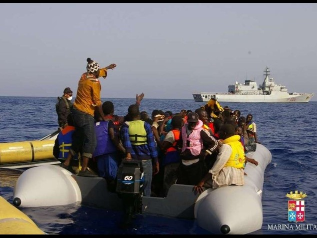 Immigrati: altra tragedia al largo della Libia, 40 morti in mare