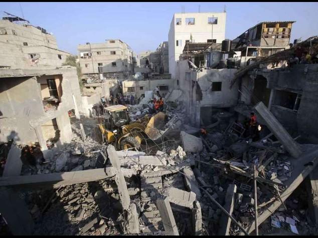 Tregua tra Israele e Gaza. Ma la pace e' appesa a un filo
