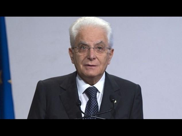 Mattarella: senza solidarieta' anche istituzioni piu' deboli