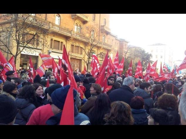 Da Torino a Napoli sindacati in piazza contro jobs act e manovra