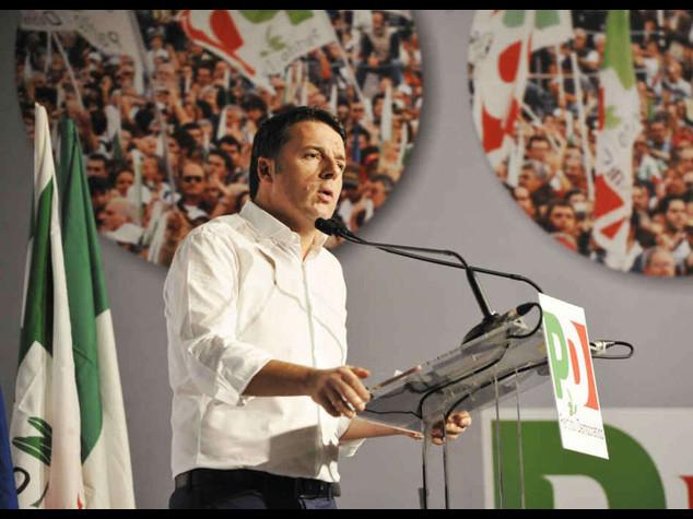 """Renzi, """"i diktat non mi fermano"""" Fassina, """"basta con le caricature"""""""