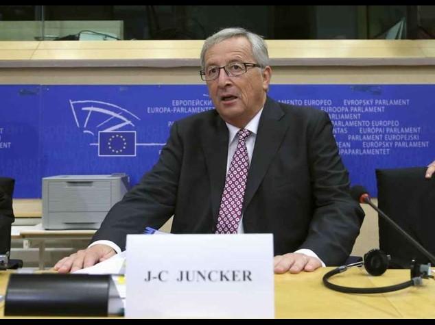 """Juncker, 300 miliardi in tre anni """"Euro non divide, protegge"""""""