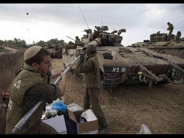 Israele accelera, 40 morti in un solo quartiere a Gaza
